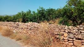 Mur alt al camí Cabres