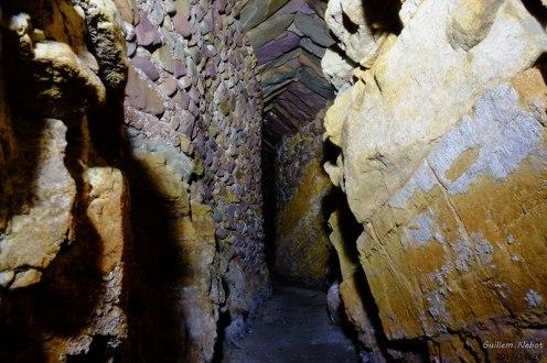 Tunel por donde transcurría la acequia de agua potable por el Angel. Foto: Ajuntament de la Vall d'Uixó.