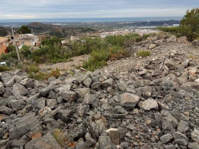Vista de los restos de la Pedrera de dalt